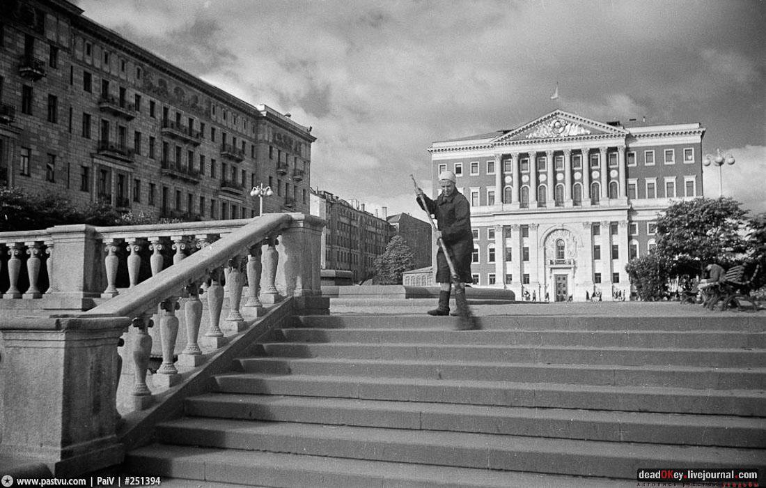 Здание Московской Мэрии, ул. Тверская д.13, архитектор М.В. Казаков