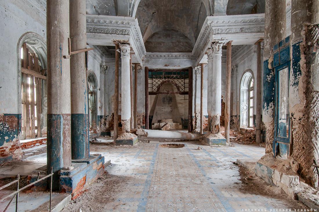 Субботник в усадьбе Ярополец Чернышевых, Казанская церковь